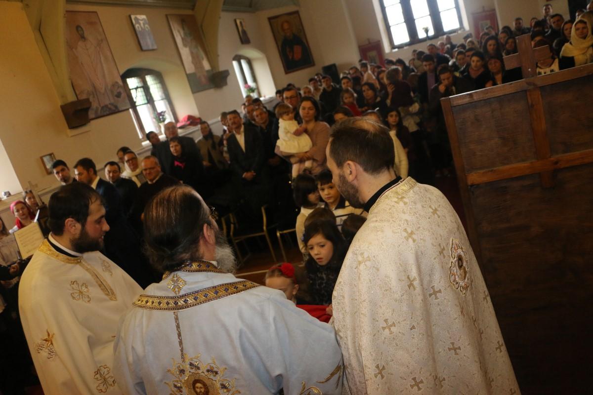 """Parohia ortodoxă romană """"Întâmpinarea Domnului"""" din Glasgow"""