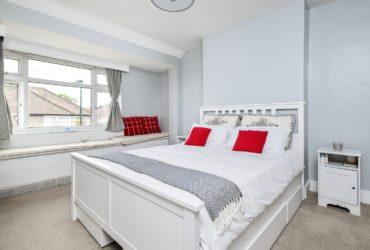1 bedroom flat langa statia de tren Welling