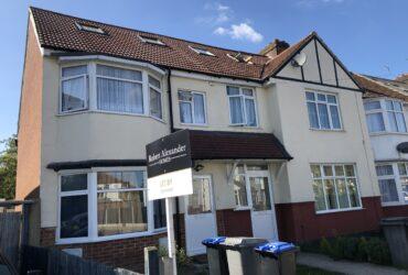 Casa cu 4 camere 2 bai in Kenton /  Kingsbury